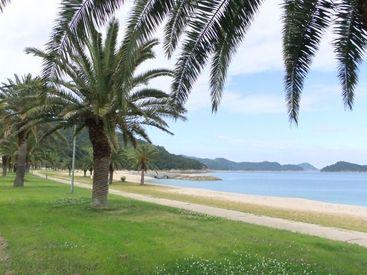 【フロントスタッフ】【周防大島(星降る島)】瀬戸内海に面したオーシャンビューのホテルです。潮風を感じながらの、お仕事なんて最高ですよね♪