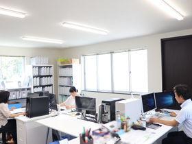 ※市バス(名古屋市交通局)猪子石西原から徒歩5分の場所になります。 きれいなオフィスで快適に勤務が可能