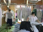クリーニングし終わった後の衣類を、畳んだり、ハンガーにかけてカバーをかけたり…どれもカンタンにできますよ♪