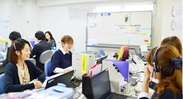 オフィスは女性が多く、和やかな雰囲気の会社です。