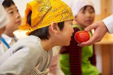 子どもたちは、給食・おやつを毎日楽しみにしています!ぜひ一緒に働きましょう! (写真はイメージです)