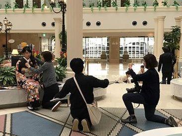 ホテル・結婚式場・商業施設・庭園などでの屋内外ロケもあります。チームワークの良さから美しい写真が出来上がります。