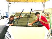 接客よりも、クルマを扱う作業が多め◎ 洗車のコツなども身に付きますよ☆ できることからおまかせするのでご安心を!