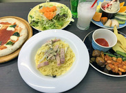 《まかないが300円で食べ放題》 メイン料理はもちろんサラダ、ドリンク、デザートまで◎ 勤務前のまかないもOKです!