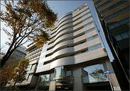 <好立地♪>新横浜駅から徒歩3分のホテル内♪落ち着いた環境で働けます♪交通費も支給するので通勤も安心◎