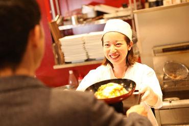 調理は対応する時間などがマニュアルで決まっているので、普段自炊をしない方でも安心◎学生スタッフがメインで楽しく勤務♪