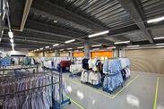 <工場内もとてもキレイで快適♪> 作業場内もエアコン完備◎ ミニボーナスなど待遇面も充実しているので安心・安定!