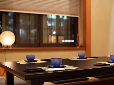 【日本料理・懐石】オープニング案件あり!天ぷら、割烹など、日本料理店の落ち着いた雰囲気に包まれて――。安心&安定して働けます。