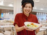 キレイなフードコート内の勤務です。調理専門のシェフが作る美味しい中華は社食でお得に!お財布も助かっちゃいますね*
