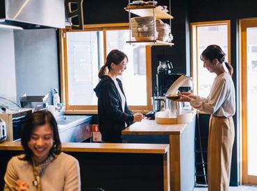 《レア》オシャレ空間で働ける★ 薬膳カレーとコインランドリーが 融合したランドリーカフェ♪.。* ◎調理は温めるだけでOK◎
