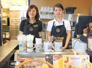 """一杯のコーヒーを通して、癒やしの時間をお届け★""""新宿でゆったりしたい""""そんなお客様が多いお店だから、働きやすさも◎"""