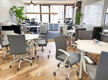 リニューアルしたばかりのオフィス.:*・゚ キレイな職場環境が自慢です!