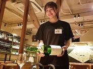 ☆大宮駅西口スグ♪お洒落な日本酒バルで飲食バイトスタートしませんか♪ 飲食バイトデビューさんも応援します♪