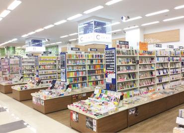 ゆめタウン徳島内の本屋さん! お仕事前に買い物も♪ お仕事は丁寧にお教えしますので 安心してスタートできますよ◎
