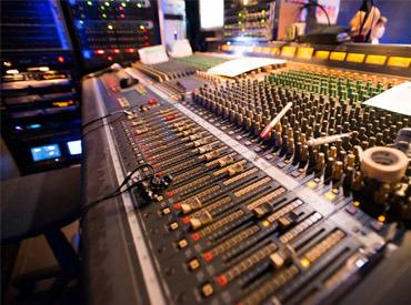"""【ブライダル演出Staff】*+:。""""準備~式""""まで、心に残る1日を演出♪。:+* 大切な曲でたくさんの方を感動の渦へ!音楽で幸せの空間を創りませんか?"""