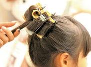 ☆未経験スタッフ歓迎☆ お子様や女性のヘアメイクのお仕事です♪