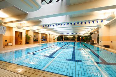 高級ホテル/マンション内のプール・フィットネスだから とってもオシャレでキレイ♪ 快適に働くことができます◎ ※写真は別施設