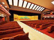 """東京の有名観光スポット""""歌舞伎座""""★おしゃれな制服を着て、ぜひ一緒に働きましょう!お気軽にご応募ください。"""