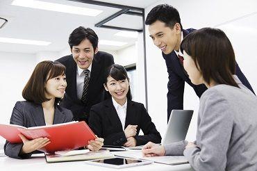 20代が中心の活気あるオフィス★仲間と切磋琢磨しながら自分も成長できるはず!