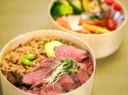 焼き方/味付けにもこだわった自慢のお肉と生野菜をふんだんに使った和テイストのお弁当は見た目にも自信あり♪マジで激旨です!!