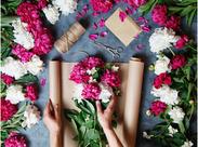 生花・もしくは造花の販売、制作経験のある方、または、物流関連での経験がある方歓迎☆フルタイムでの勤務もOKです!