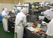 こちらがセントラルキッチンの厨房です★ ここで調理の補助をお願いします♪