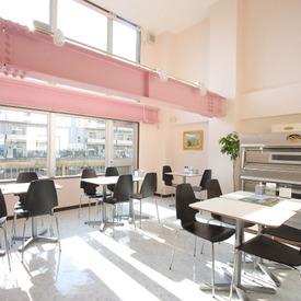 【スイーツ販売】■甘いものが好きな方…。*□海外の文化に触れたい方羽田空港で働こう!ファンの多いチーズケーキをお得に買えるチャンス!