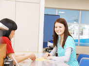 """家電でお馴染み""""HITACHI""""グループ! 主婦さんや学生さん、フリーターさんと、 幅広い層の方が活躍しています◎"""