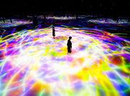 あなたが活躍する舞台は、クローズ後の体験型デジタルアートテーマパーク!仲間と一緒の作業で安心ですね♪