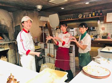 明るくてやさしいスタッフばかりなのですぐに打ち解けられます☆ レシピなどマニュアル充実で安心♪ 友達同士の応募も大歓迎!