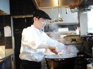 ●料理の腕がドンドン上がる● 大きい鍋で仕込んだり、チームで手分けして作るのがレストランの醍醐味! 家庭では味わえない!!