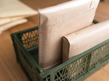 未経験者さん大歓迎! 郵便を部署ごとに分別したり、 その部署へ運んだりするシンプル作業です♪ ※画像はイメージ