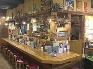 稲毛駅スグのちょっとオシャレなお店♪*。 木のぬくもりを感じる店内で、雰囲気◎『オシャレに働きたい』方にもぴったり☆