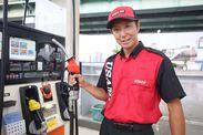 トラックへの給油作業が中心◎ 難しい作業はありません!!