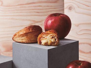 大人気のアップルパイ♪ 工房一体型の店舗なので とってもいい匂いに囲まれて お仕事ができますよ★
