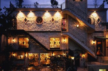 【キッチンSTAFF】一歩踏み込めば、別世界のステキ空間☆TVや雑誌でも話題の人気イタリアンレストラン♪<週1~OK>経験者優遇!料理好きな方に◎