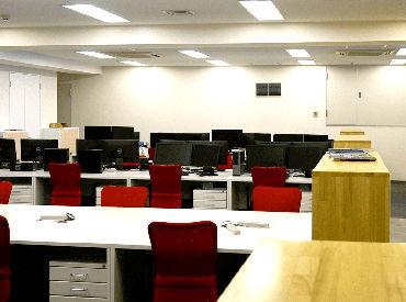 2017年に移転したオフィスはとってもキレイ★赤坂見附駅から4分でアクセスも良く、通いやすいですよ◎