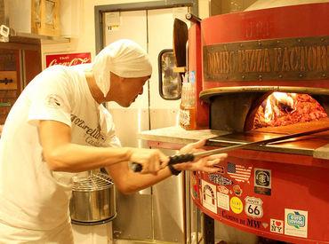 「ここが初めてのキッチンバイト!」 そんな方も今ではベテランに♪ 調理経験なしで始めた方も 多いので安心してください◎