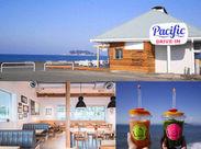江ノ島を望む海沿いの県道134号線!この道沿いにあるPOPなデザイン&ウッドテイストのオシャレなCafeが【Pacific DRIVE-IN】です!