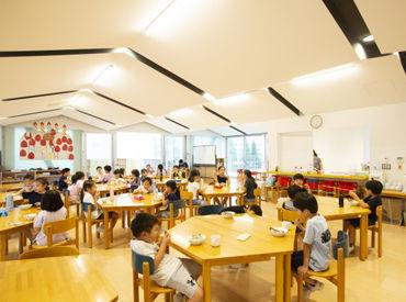 広い校庭は、子どもたちに大人気★ 毎日、子どもたちの元気な姿と笑顔に癒されます♪