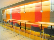ベビー服併設カフェなので… アパレルにも携われるおトク感も☆ 未経験の方も大歓迎です♪ ※画像はイメージです。