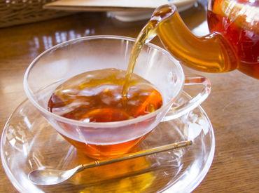 【紅茶専門店販売staff】―*大人気!お茶専門SHOP*―約150種類の茶葉を取り揃えお客さまの素敵なティータイムをお手伝い♪*履歴書不要*制服貸与あり