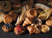 店内はパンのいい香りに包まれています♪ 気さくなSTAFFと一緒に楽しくオシゴトしましょう◎