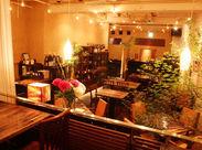 ◆開放的な店内◆ 「ここでおそばを頂けるの!?」というギャップが人気の秘密♪