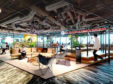 まるでカフェみたいな内装―☆ オシャレなオフィスの近隣には、 ランチに行けるお店もたくさんあります!