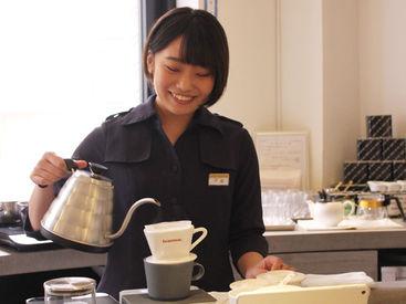 """特別な資格や経験は必要なし!まずは""""笑顔""""これが一番大切♪あなたの笑顔でおいしいお菓子を届けてください!"""
