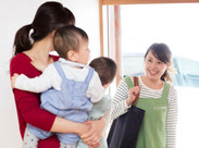 ご自宅に伺い、お子様をお預かりします。ご家庭の子育てのパートナーとして、資格・経験を活かしてお仕事できます。