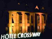 ≪駅チカ徒歩11分≫ 近代美術館入口交差点そばの【クロスウェイ】 交差点にあるコンビニの裏側のホテルです◎
