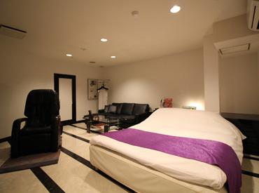 【ホテルstaff】(1)休憩中は、和気あいあい♪(2)お仕事中は、モクモクと★>>メリハリある働き方が可能!<<\夏休みからお仕事START★/
