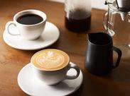 人気のコーヒー専門店で大募集★美味しいコーヒーの淹れ方だけでなく、ラテアートも描けるように♪